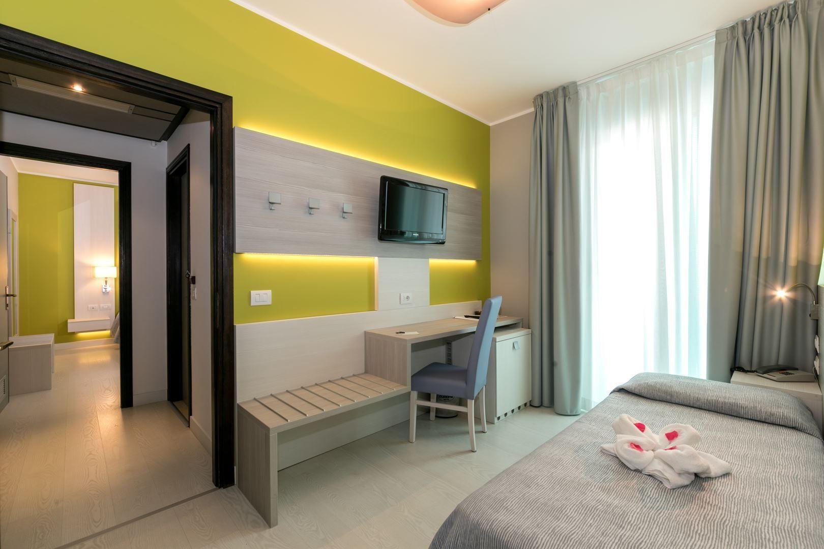 Chambre double pour les familles jesolo lido hotel europa for Chambre communiquante